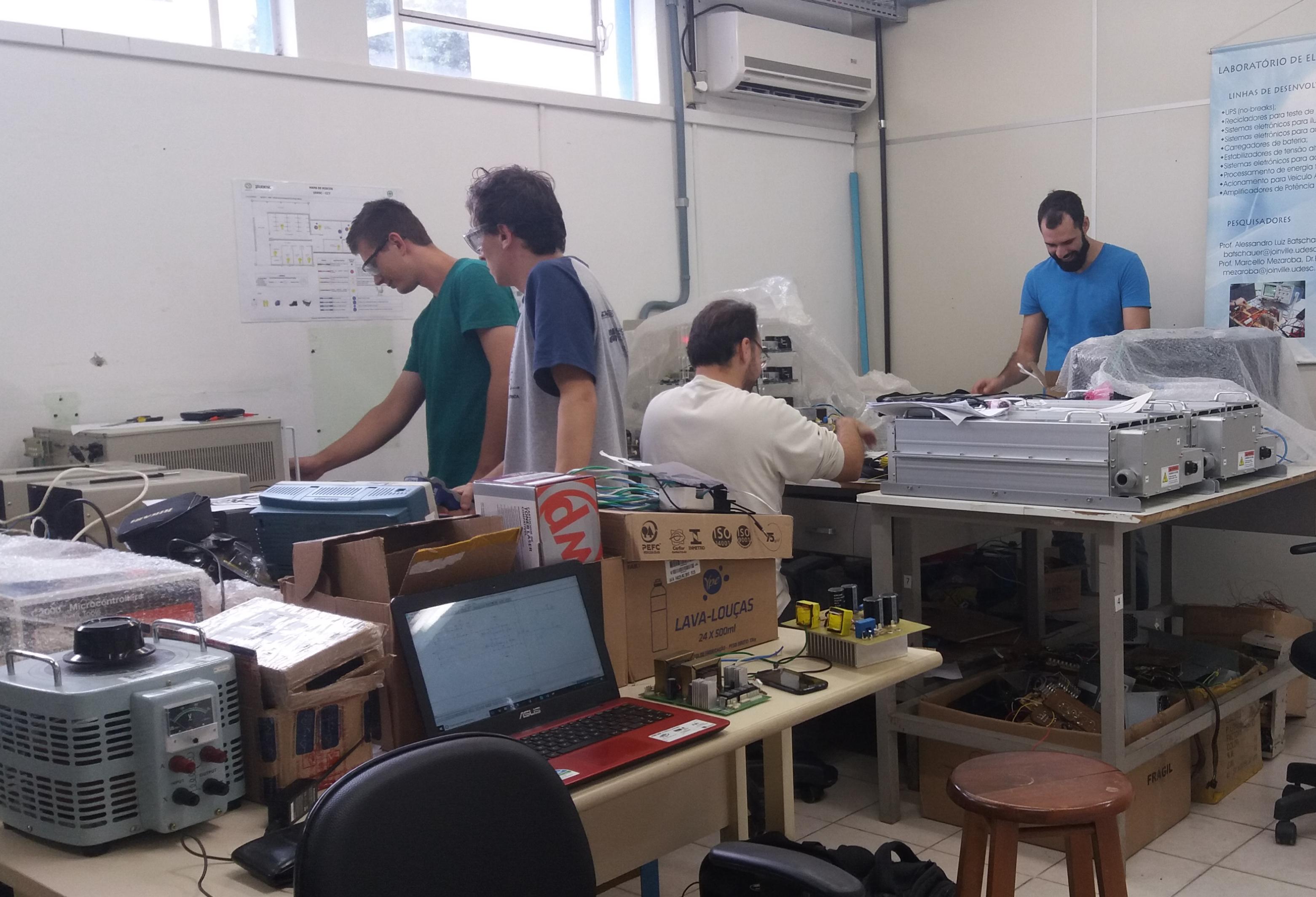 Sala de suporte e desenvolvimento 01.